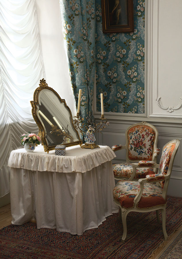 Tualetes galdiņš hercogienes buduārā.
